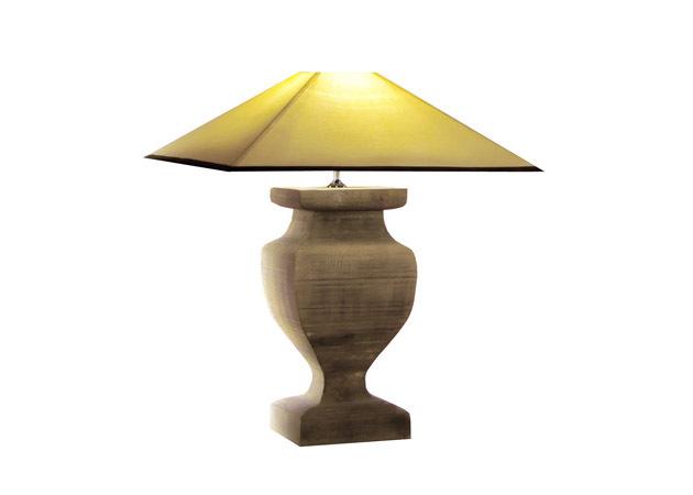 Настольная лампа из дерева фото